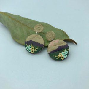 Pendientes redondos con flores. kaykai