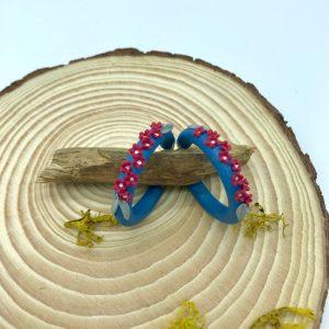 Pendientes de aro con flores. kaykai