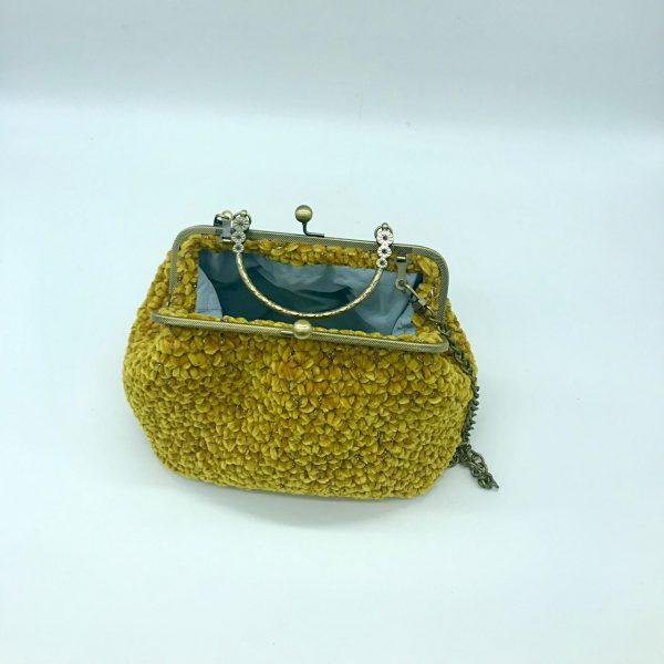Bolso color mostaza estilo vintage de crochet. Modelo Susy, hecho por kaykai