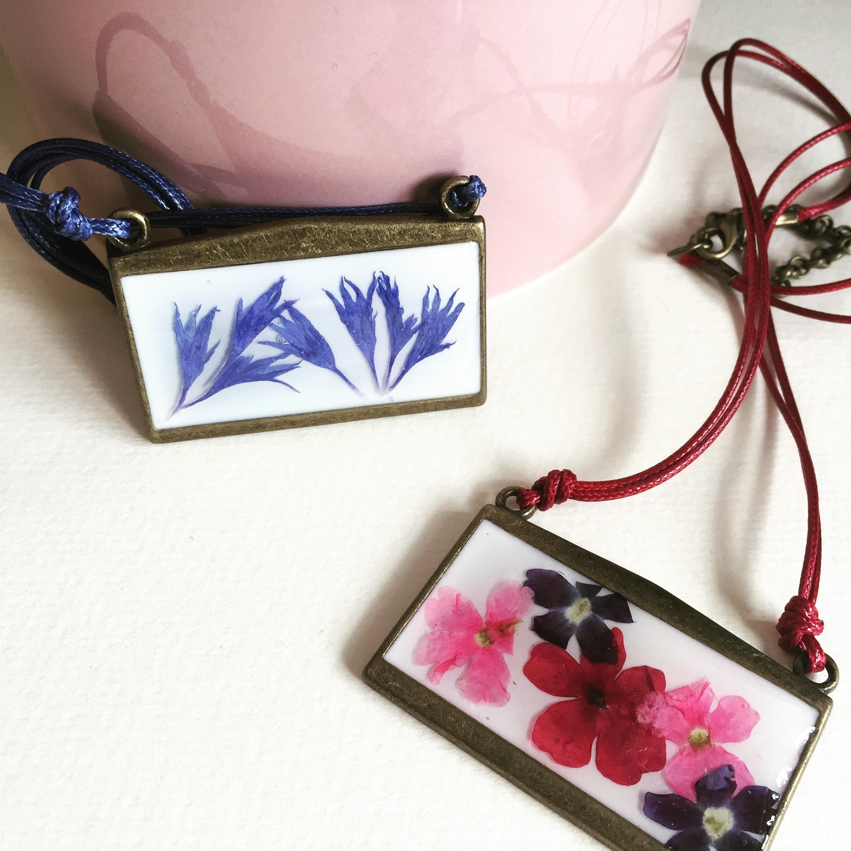 Bisutería y complementos artesanales diseñados por Kaykai.
